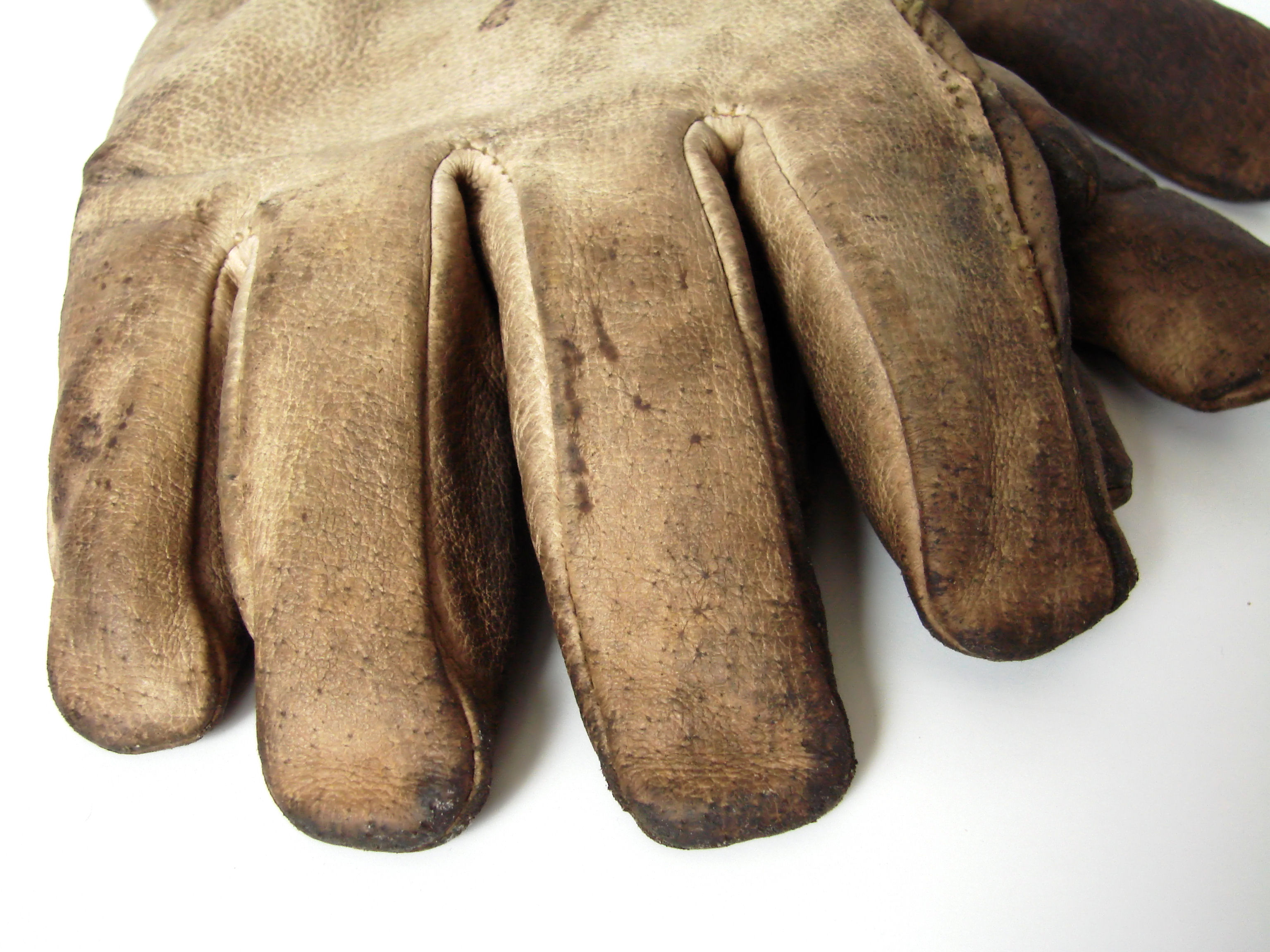 work-gloves-1183262